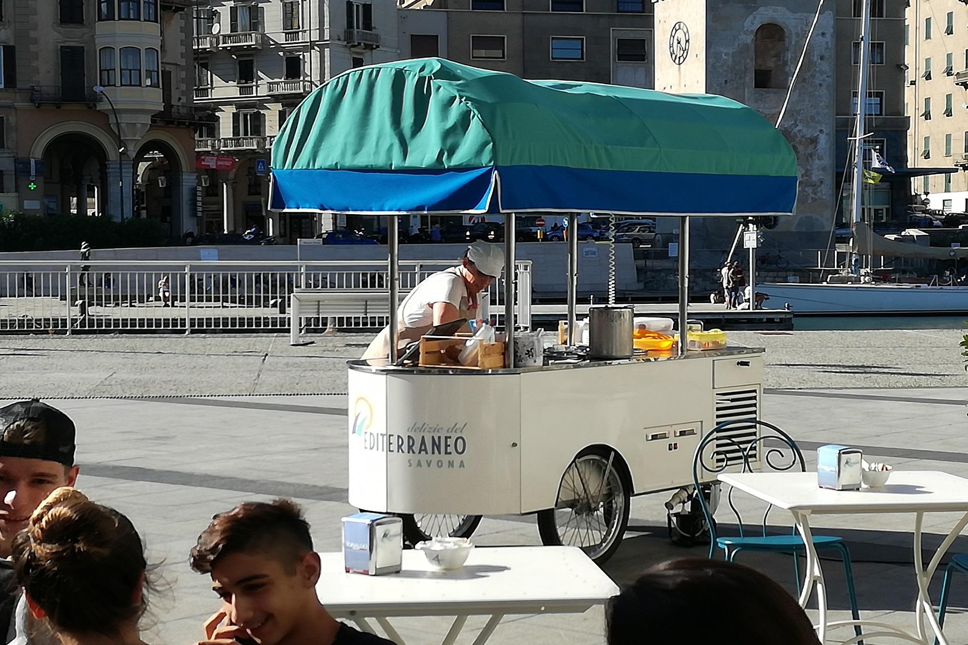 Carretto dei gelati Residenza Protetta Bagnasco | Opere Sociali Servizi Savona