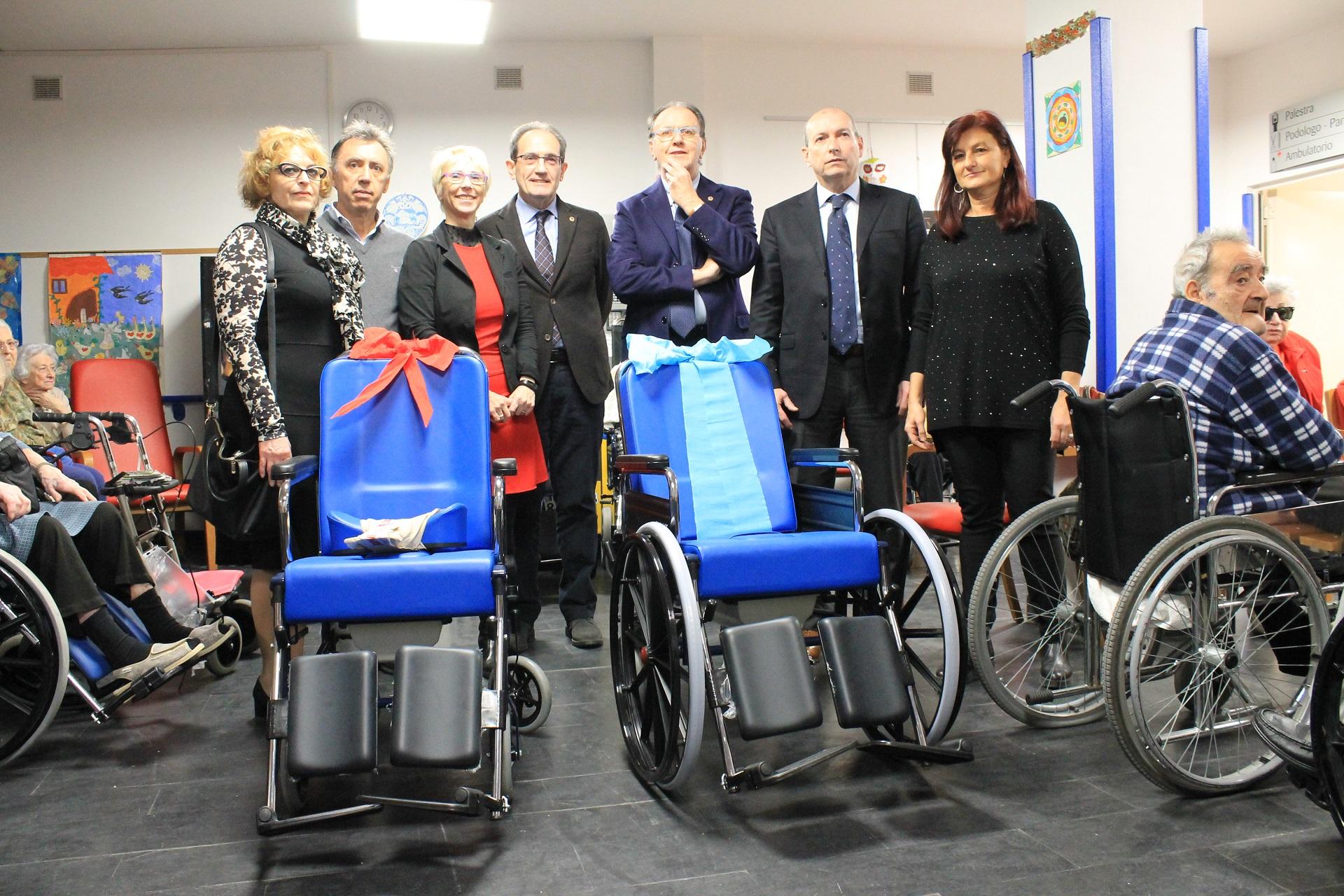 I Lions Savona consegnano carrozzine alla RP Bagnasco | Opere Sociali Servizi Savona