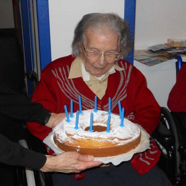 Festa di compleanno Residenza Protetta Marino Bagnasco | Opere Sociali Servizi Savona