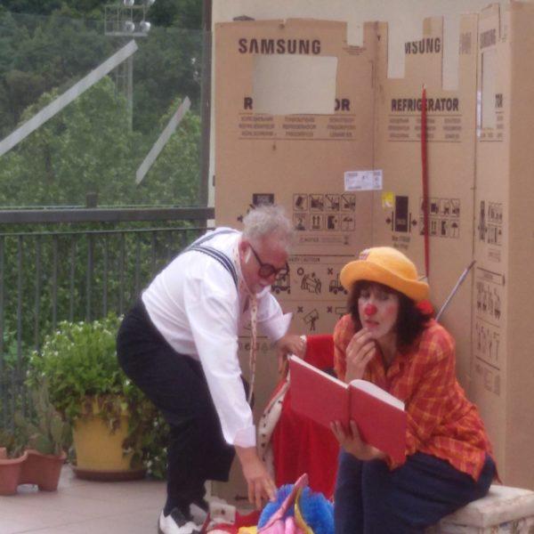 Spettacolo Clownerentola | Residenza Sanitaria Assistenziale Santuario | Opere Sociali Servizi Savona