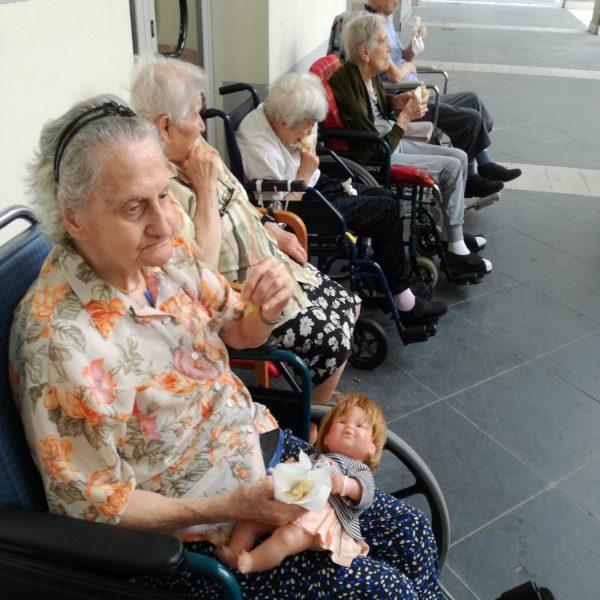 Attività all'aperto alla Residenza Protetta Bagnasco | Opere Sociali Servizi Savona