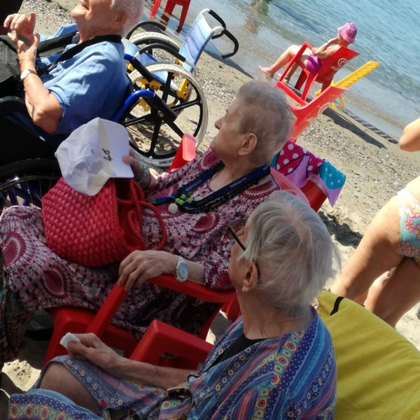 Spiaggia allo Scaletto delle Fornaci Residenza Protetta Bagnasco | Opere Sociali Servizi Savona
