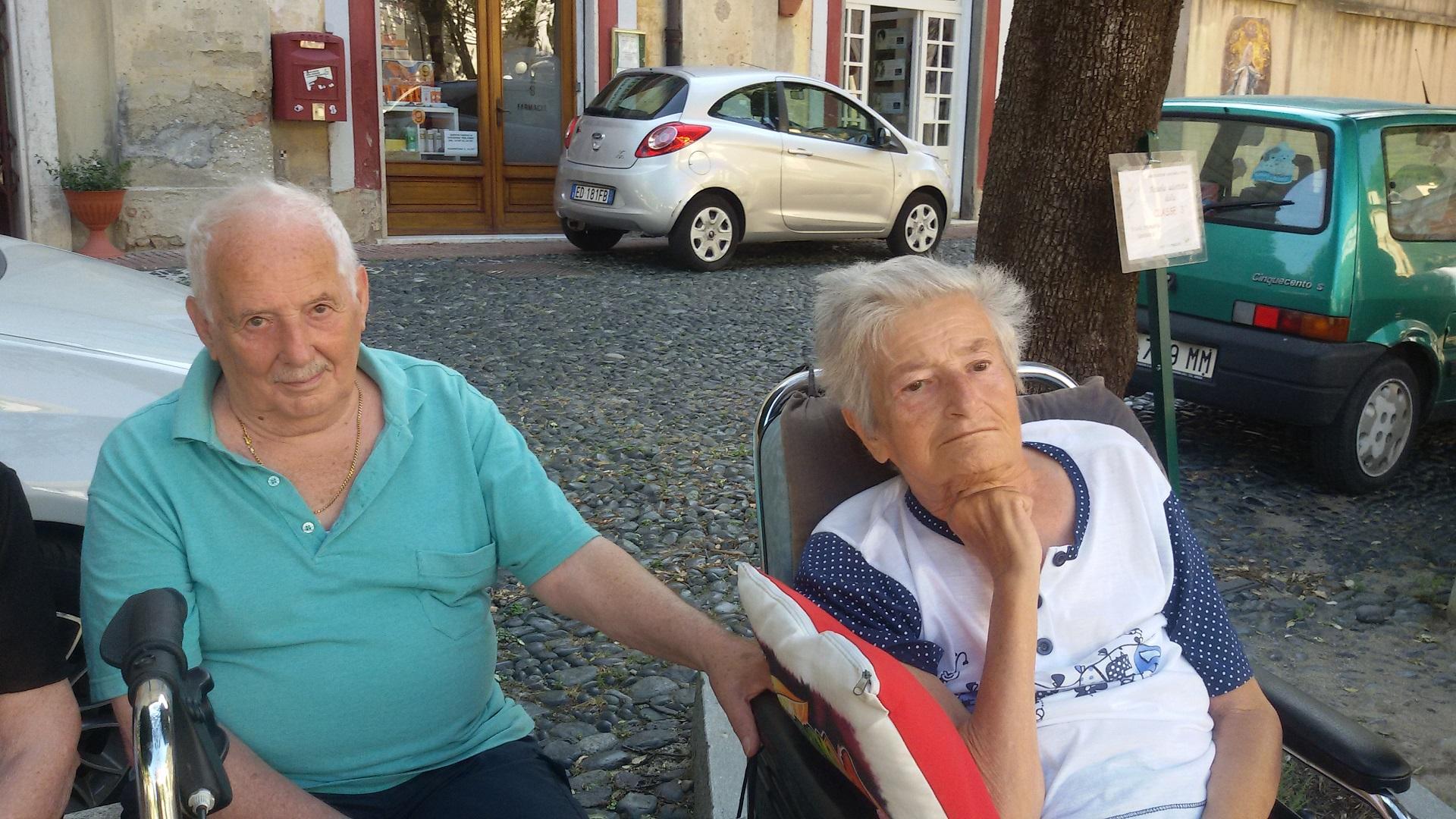 Merenda in piazza Residenza Sanitaria Assistenziale Santuario - Opere Sociali Servizi Savona