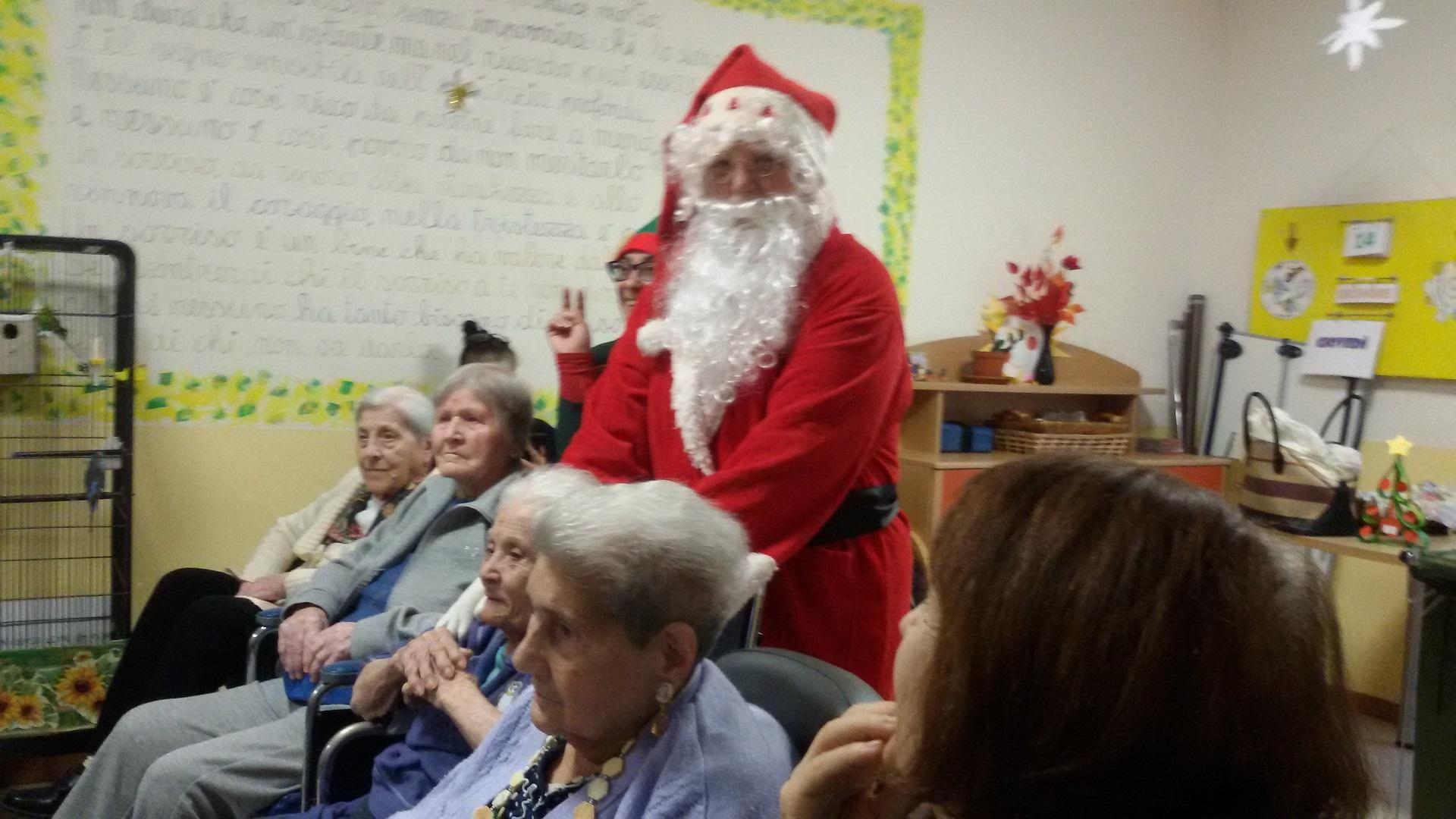 Babbo Natale Residenza Sanitaria Assistenziale Santuario | Opere Sociali Servizi Savona