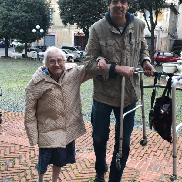 Caldarroste in allegria Residenza Protetta Santuario - Opere Sociali Servizi Savona