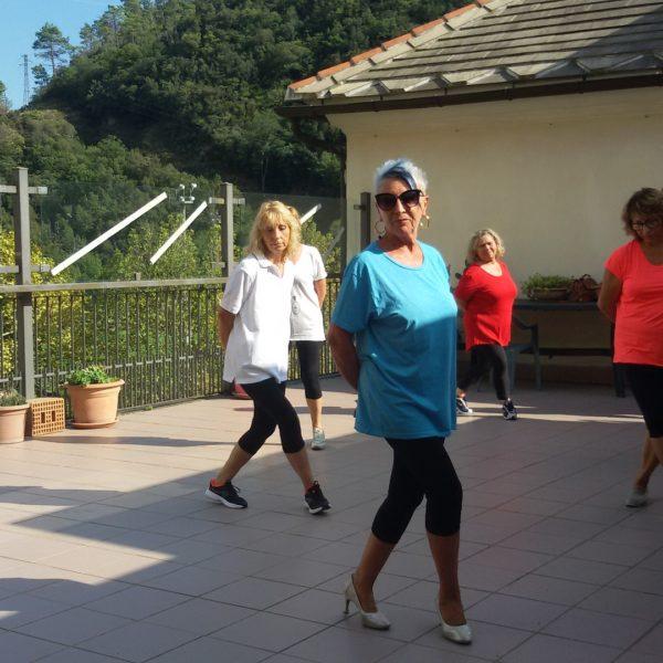 Non pensare ... balla Residenza Sanitaria Assistenziale Santuario - Opere Sociali Servizi Savona